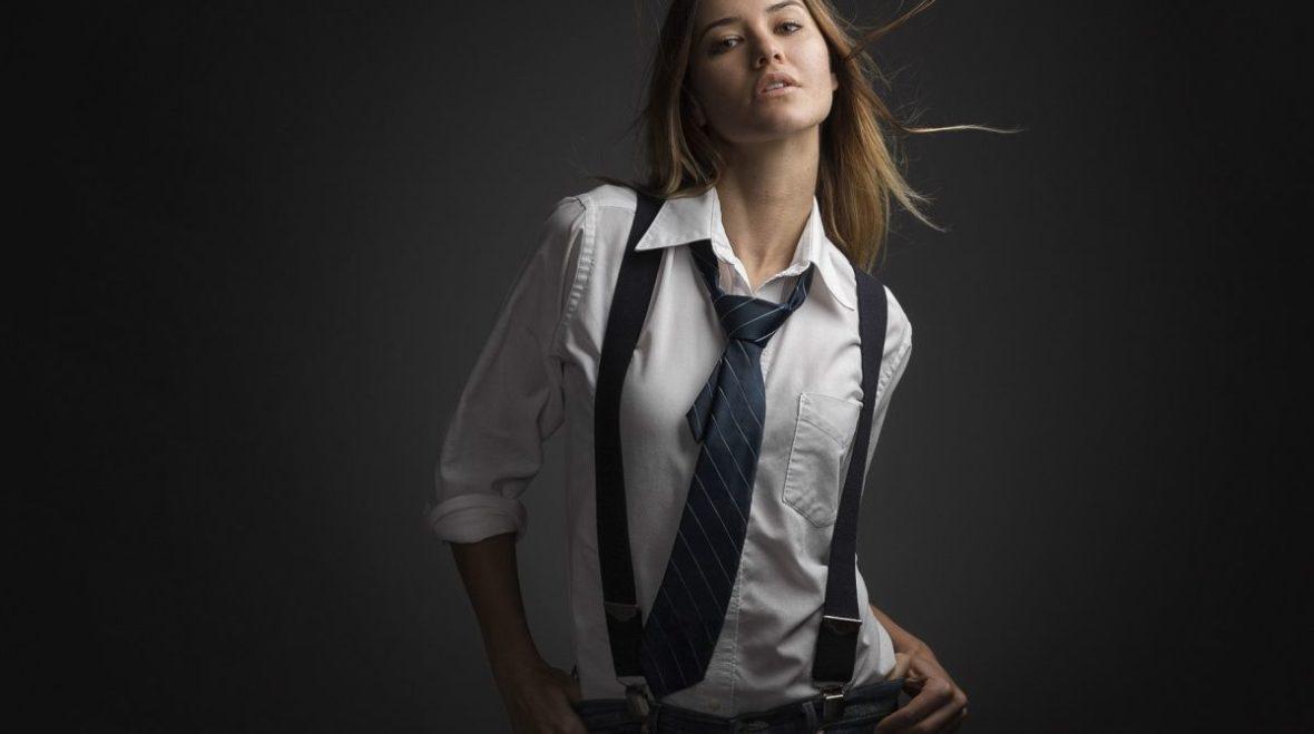 В моде женские галстуки: с чем их носить и какие модели в тренде 2020-2021?